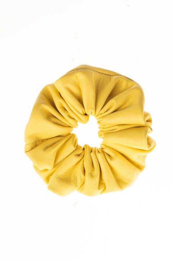 LEATHER SCRUNCHIES. Vintage δερμάτινα λαστιχάκια για τα μαλλιά.